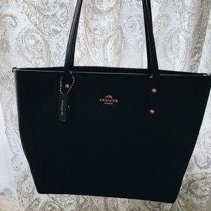 Black coach purse/bag/tote